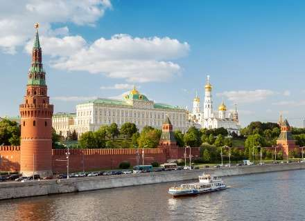 Best of Moscow & St. Petersburg Guided Tour (CB-17)