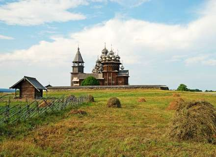 Discovery of the Russian North: St. Petersburg – Kizhi – Solovetksy Island – Gulag Camp (KL-07)