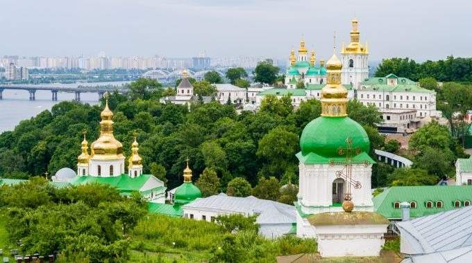 Three Capitals: Kiev - Moscow - St. Petersburg (CB-18)